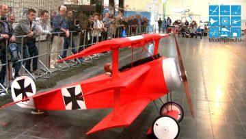 RC փակ թռիչքի մոդելներ ՄԵIG ՄԵ R RC FOKKER DR.I XXXL DEPRON ներսում RC մոդել 50% 1: 2 - JÜRGEN SCHÖNLE ԲՆԱԿԵԼԻ ԹՌԻՉՔ