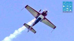 EXTRA 300L (ORIGINAL) UWE WENDT AEROBATIC AIRSHOW SMOKE FLIGHT ILA BERLIN AIR SHOW