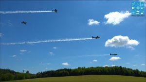 AWESOME STUNNING LEGENDARY FIGHTERS WW II. Aircombat ma Demoflight.